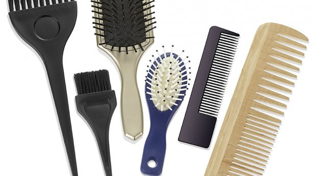 Let's bath our brushes and combs! How to do it and which cosmetics to use?