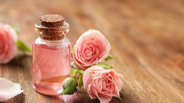 5 flower waters I love. What are their benefits for skin?