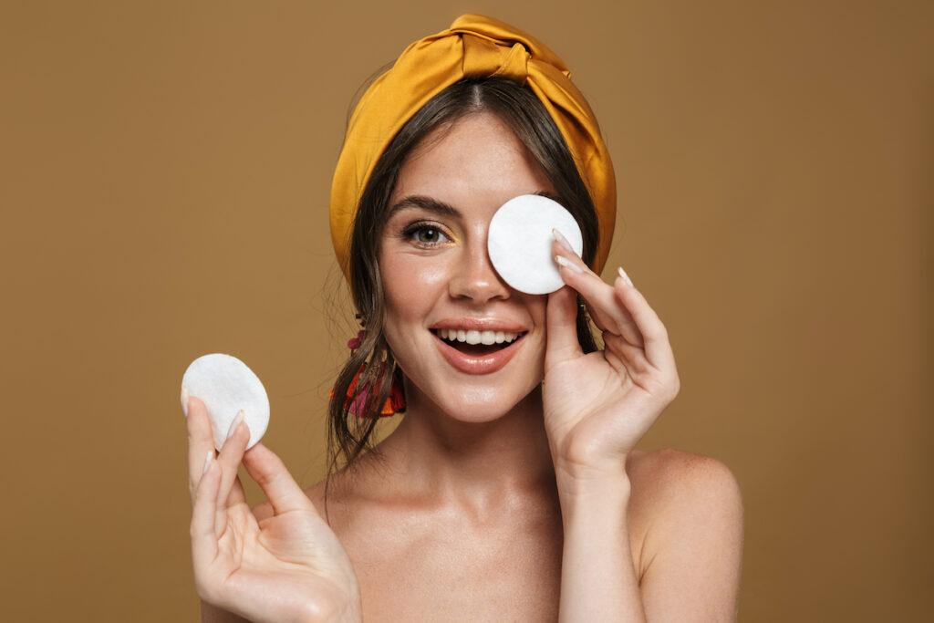 stop-using-makeup-benefits.jpg